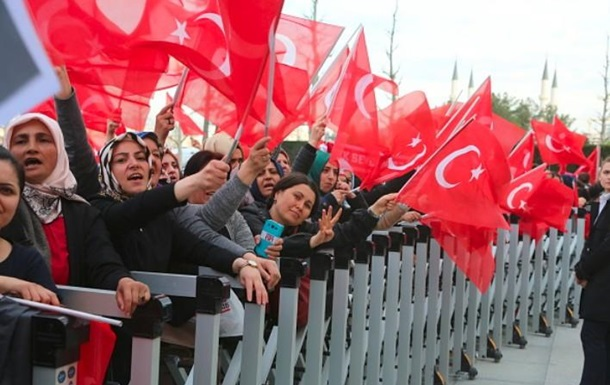 Турецькій опозиції відмовили в скасуванні підсумків референдуму