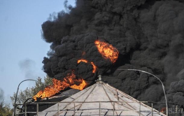Під Києвом прогримів вибух на нафтобазі