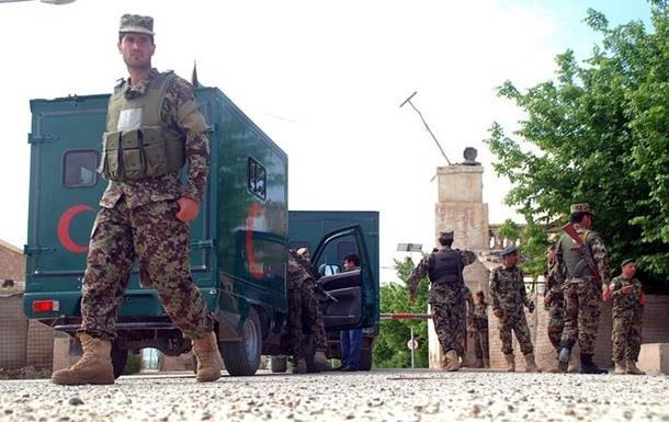В Афганистане талибы напали на военную базу и убили 150 человек