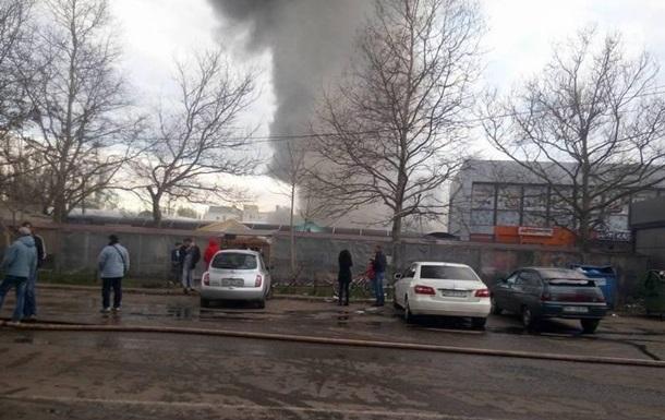 Пожежа на ринку в Одесі: постраждали шестеро людей