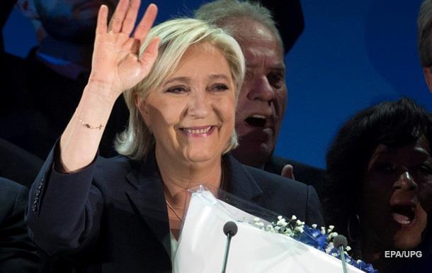 Ле Пен лідирує на виборах президента Франції