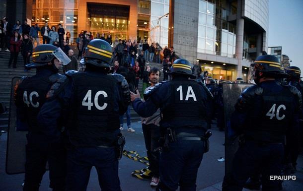 В Париже протестуют против выборов