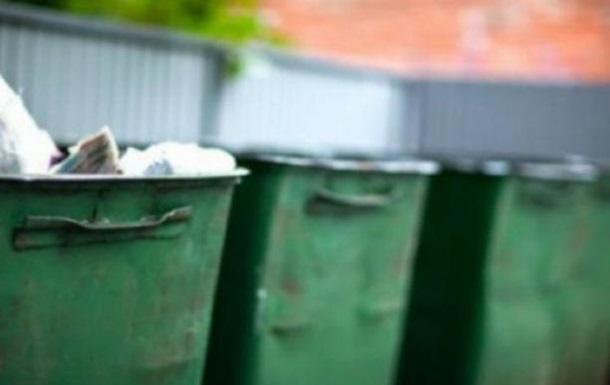 Власти Львова до сих пор не договорились о вывозе мусора