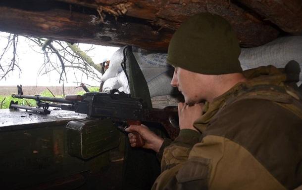Штаб АТО: Біля Троїцького загинув військовий ЗСУ