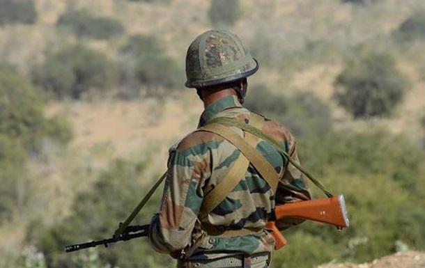 У Кашмірі бойовики напали на військовий табір, є жертви