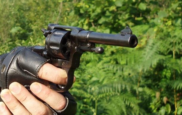 На Херсонщині п яний депутат влаштував стрілянину і втік