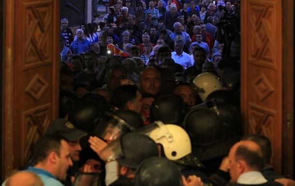Протести в Македонії. Кількість постраждалих перевищила 100