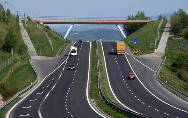 Денег больше – дорог меньше. Как дураки зарабатывают на украинских дорогах