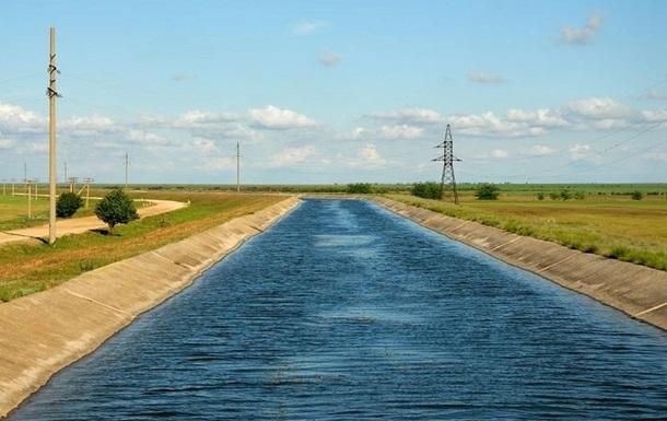 Нова дамба відрізала Крим від української води