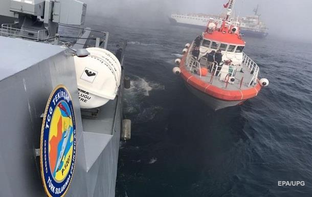 Росія почала підйом секретної апаратури із затонулого корабля