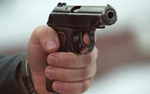 У кафе Києва сталася стрілянина, поранено іноземця