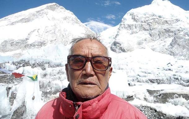 Найстаріший альпініст світу помер під час спроби знову підкорити Еверест