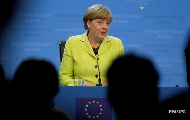 Меркель провела  душевный  разговор с Макроном