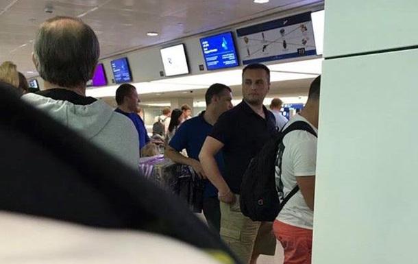 У Мережі опублікували фото Холодницького, який летить на відпочинок