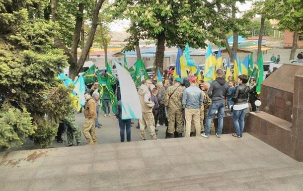 Ветерани АТО пікетують будівлю поліції в Дніпрі