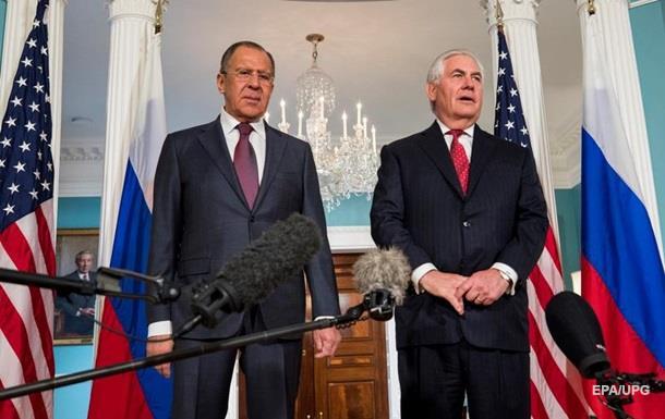 Зустріч Тіллерсона і Лаврова: санкції залишаються