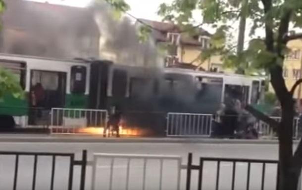 У Львові на ходу загорівся трамвай