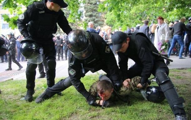 Аваков вибачився за дії поліцейських у Дніпрі