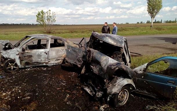 У Донецькій області зіткнулися ВАЗ і Chevrolet: три жертви