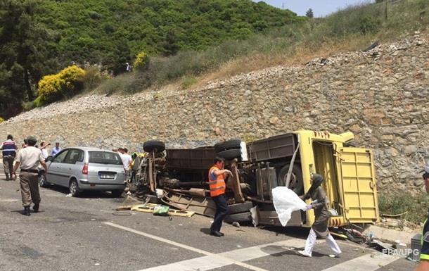 ДТП з туристичним автобусом у Туреччині: загинули 24 людини