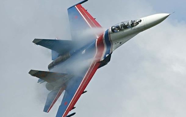 Російський Су-27 знову наблизився до літака-розвідника США