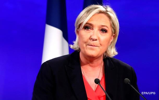 Марин Ле Пен знову стала головою своєї партії