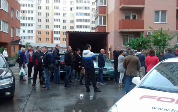 Масова бійка в Одесі: поліцейському зламали носа