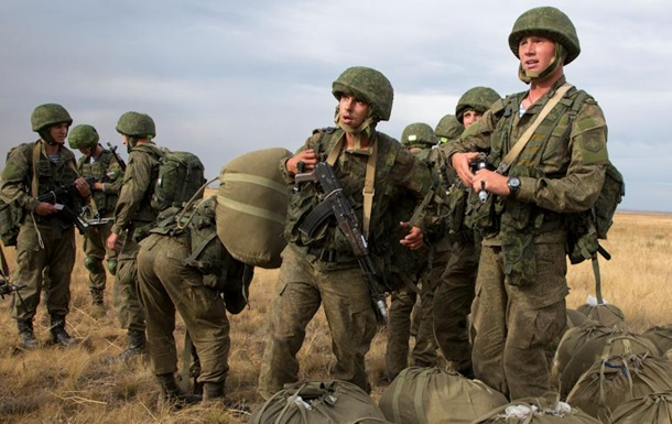 Путін: Переоснащуємо армію для кордону з Україною