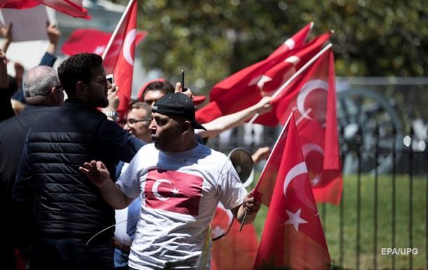 В США охранники Эрдогана избили демонстрантов