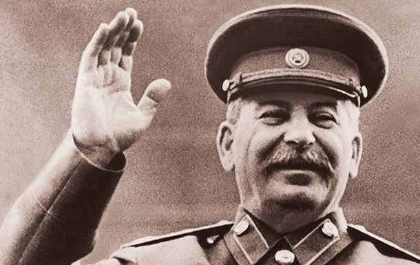 Стрічки і Сталін. Як влада бореться з минулим