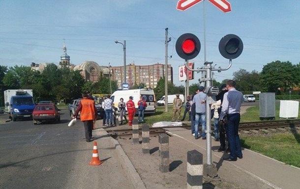 В Луцке поезд насмерть сбил девушку