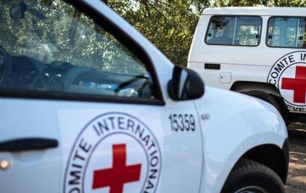 На Донбасі обстріляли співробітників Червоного хреста