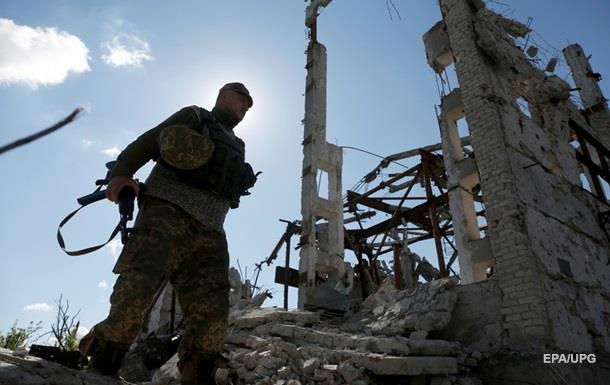 Сутки в АТО: ранены четверо украинских военных