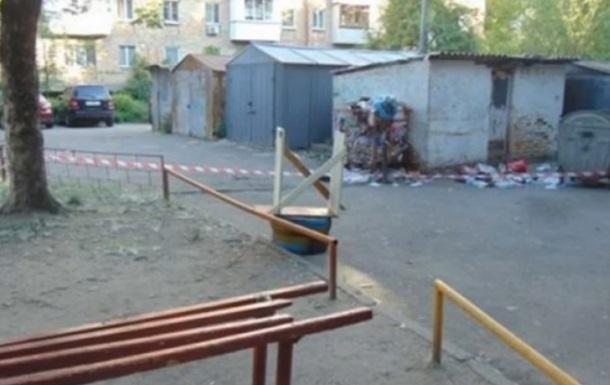 На дитячому майданчику в Києві знайшли бойову гранату