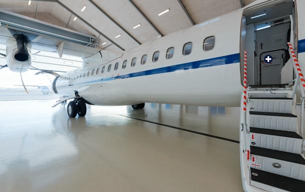 Пасажири Air Berlin виявили діру в фюзеляжі літака