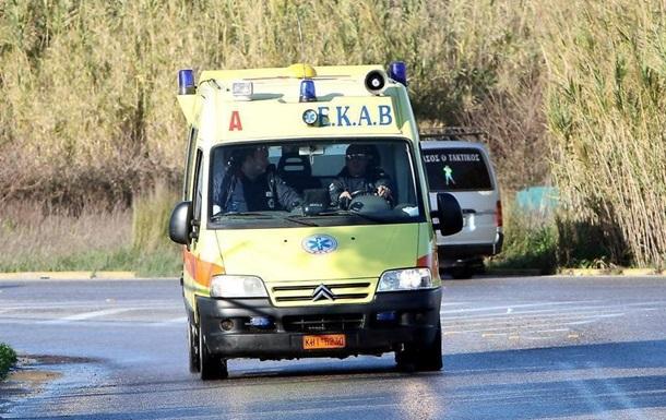 ДТП зі шкільним автобусом в Греції: 14 постраждалих