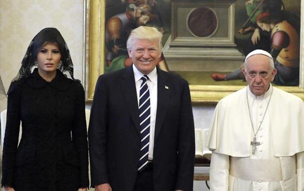 Злий Папа і сумна Меланія. Конфузи турне Трампа