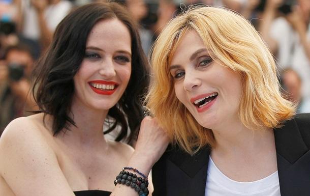 Канни-2017: Єва Грін поцілувала партнерку по фільму