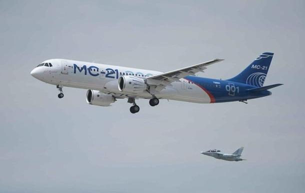 Російський  конкурент Boeing  вперше злетів