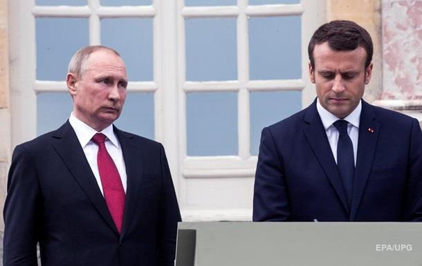 Макрон при Путине назвал гостелеканал РФ лживым