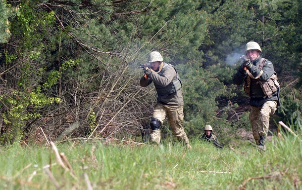 Доба в АТО: обстрілів стало менше, троє поранених