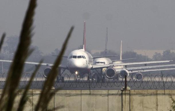 Нетверезий росіянин схотів вийти з літака під час польоту