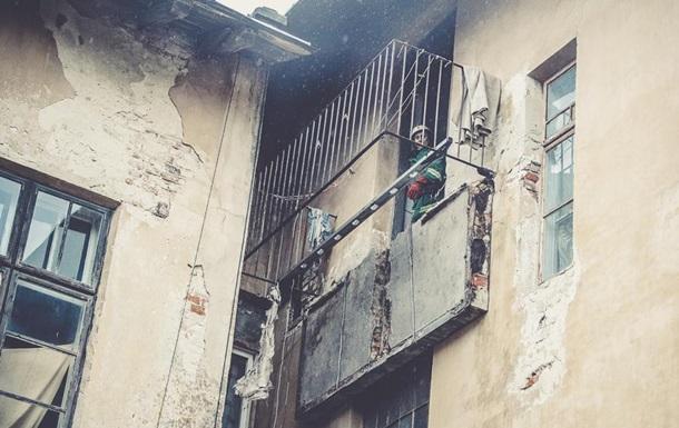 У Тернопільській області обвалився балкон - двоє постраждалих