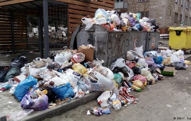 У Кишиневі соціалісти і ліберали мало не побилися через сміття