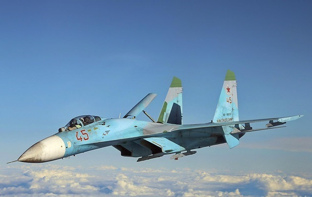 У Криму підняли за тривогою винищувачі Су-27
