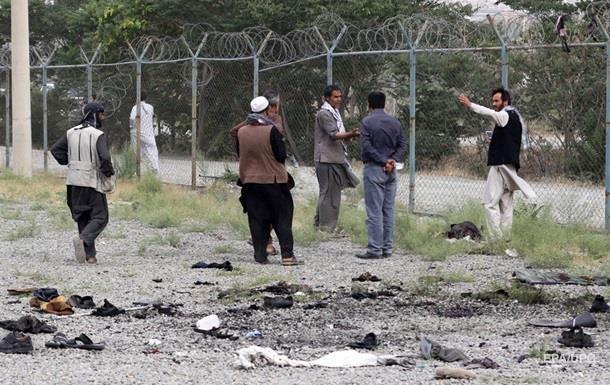 Кількість жертв теракту біля посольства в Кабулі зросла до 150