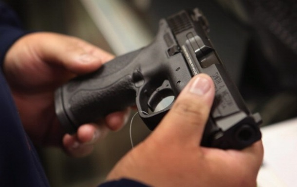МВС про вільне носіння зброї: Більшість проти