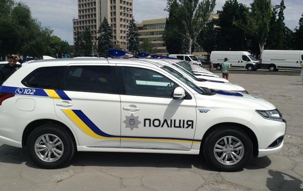 Аваков передал запорожским полицейским гибридные авто