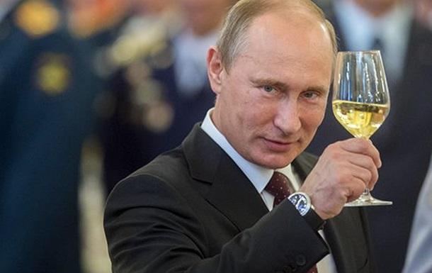 Путин подписал закон, приравнивающий к митингам встречи депутатов с избирателями