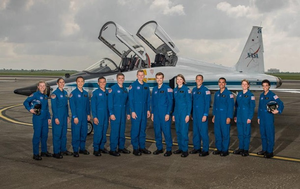 NASA отобрало 12 человек для полета на Марс